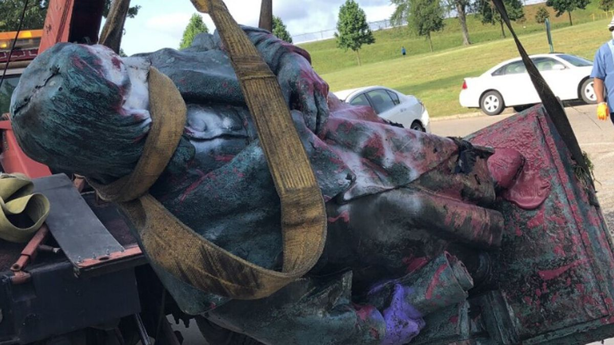 The Christopher Columbus statue located in Byrd Park has been pulled out of Fountain Lake after...