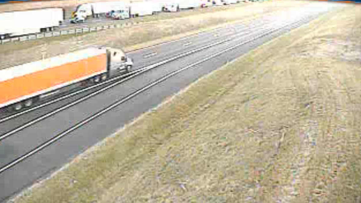 Traffic is backed up on I-81 N near MM 269. | Credit:VDOT