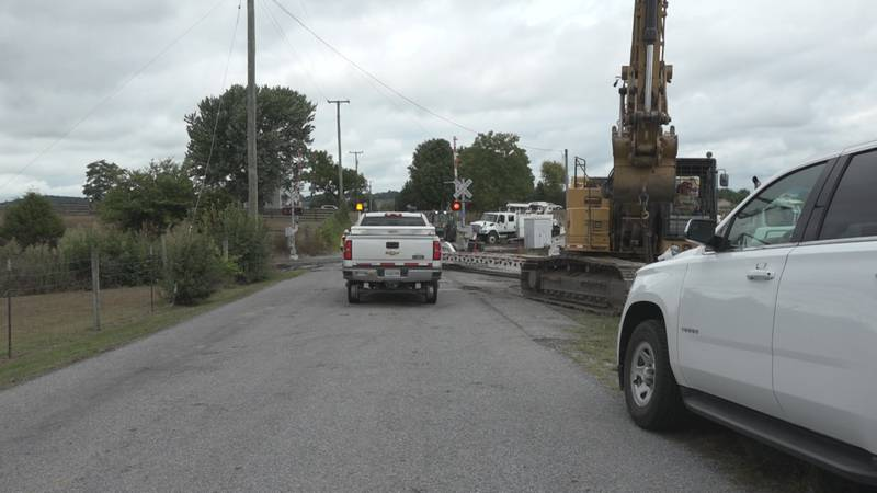 Crews continue to clear the scene of a train derailment in Crimora on Monday, August 16. (WHSV)