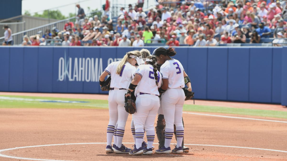 The James Madison softball team lost to No. 1 Oklahoma, 6-3, Sunday afternoon in a semifinal...