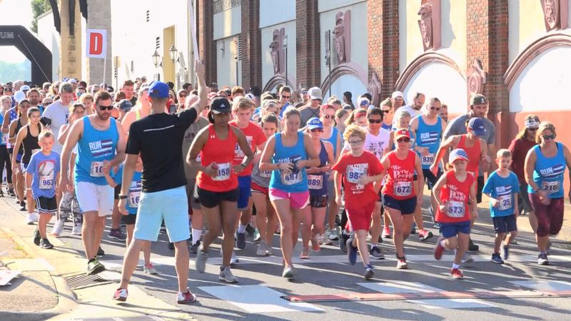 Runners take off in the 2019 Valley 4th Run.
