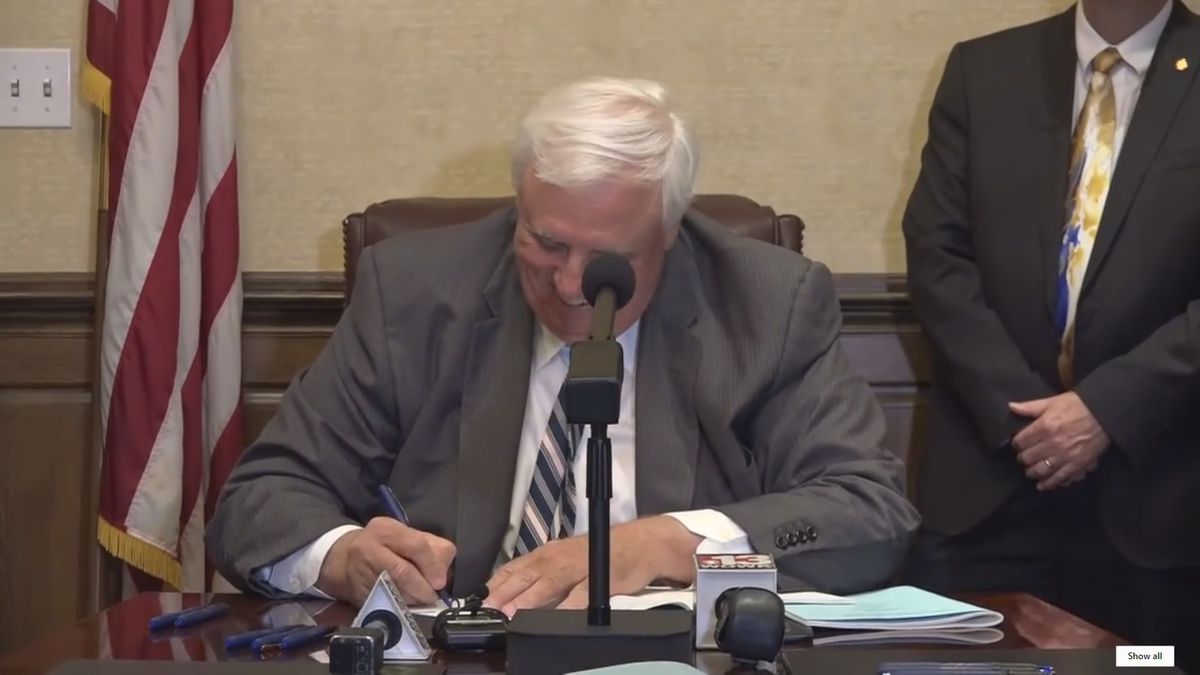 Governor Jim Justice signed the Medical Cannabis Act (Senate Bill 386) on April 19, 2017.