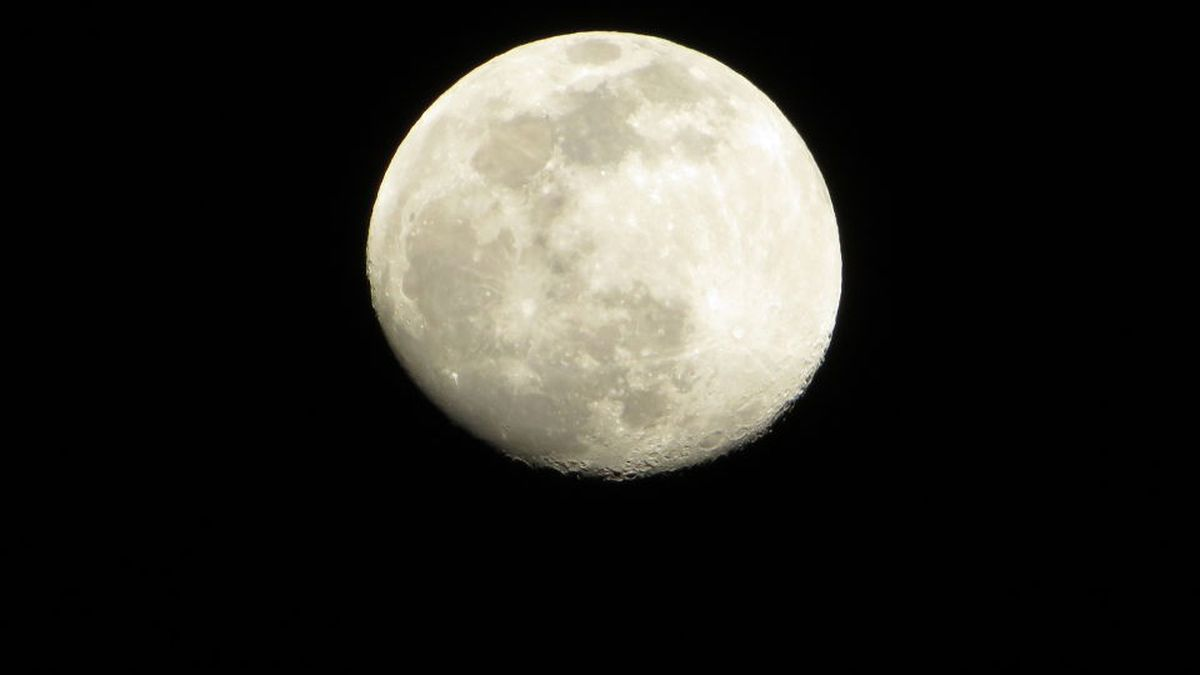 Waxing Gibbous Moon over Staunton