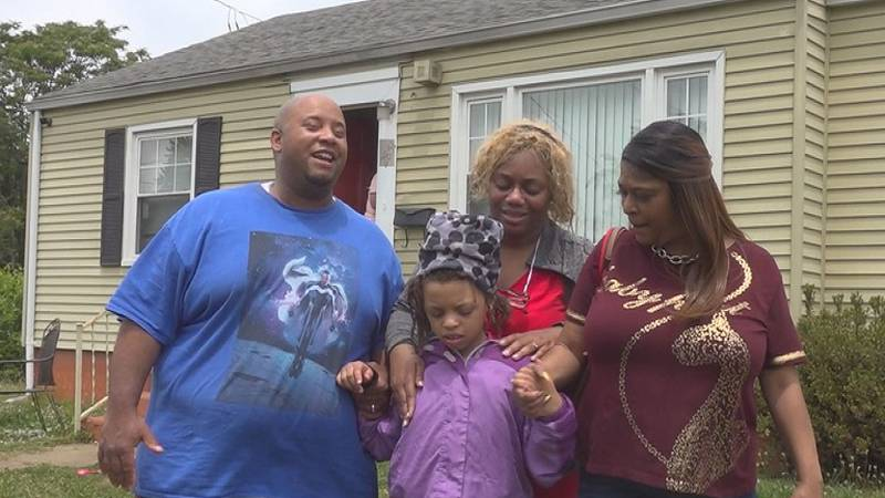 Family of 8-year-old Roanoke girl thanks community after she is found safe.