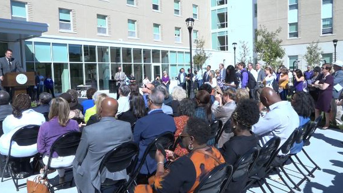 Raleigh Marshall, JMU Alumni and descendant of Paul Jennings, speaking to those in attendance...