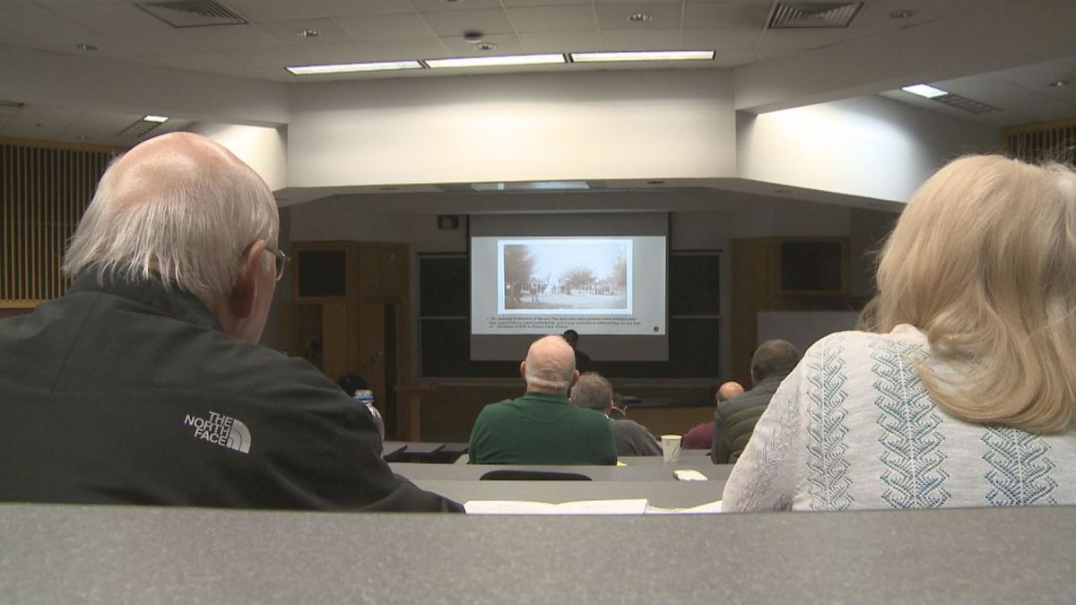 Speakers from Richmond, Shenandoah and JMU took turns discussing Civil War monuments.
