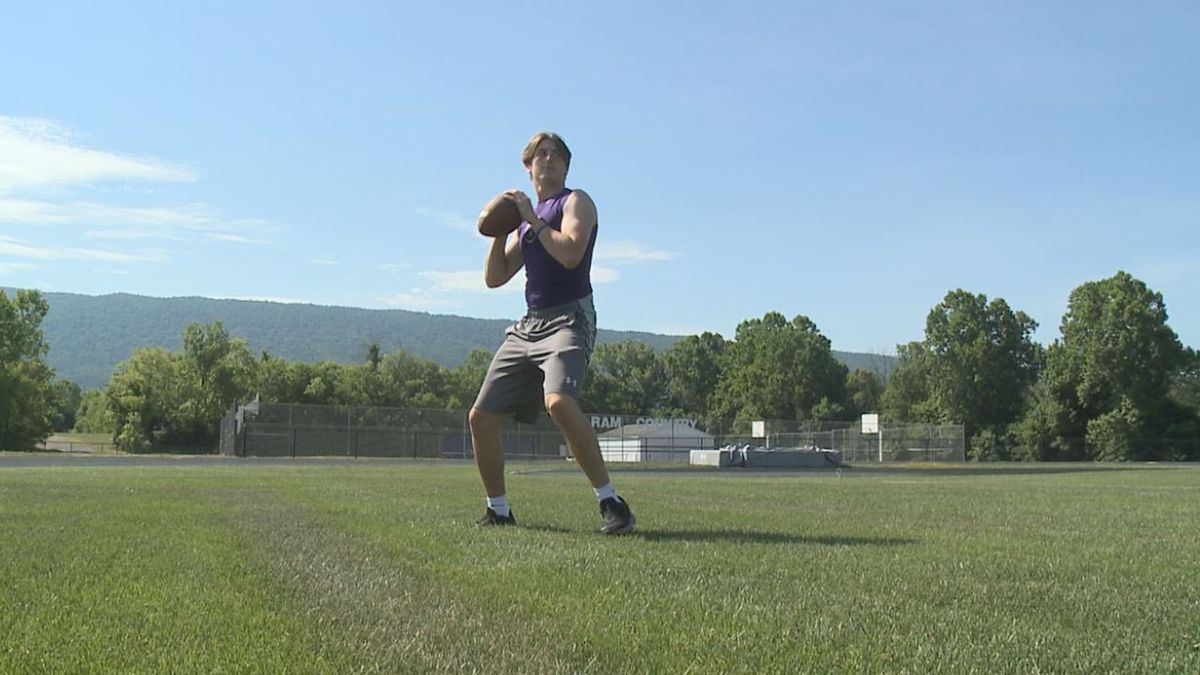 Strasburg quarterback Chase Hart has committed to play at William & Mary.