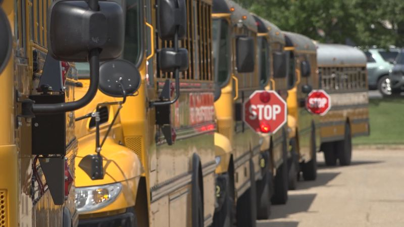 Harrisonburg school board to discuss bringing more high school students back into classrooms