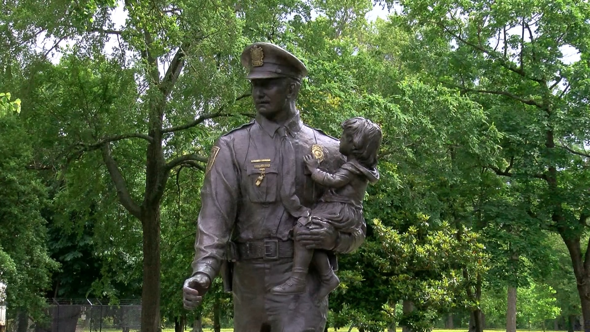 The Richmond Police Memorial statue when it stood at its location in Byrd Park
