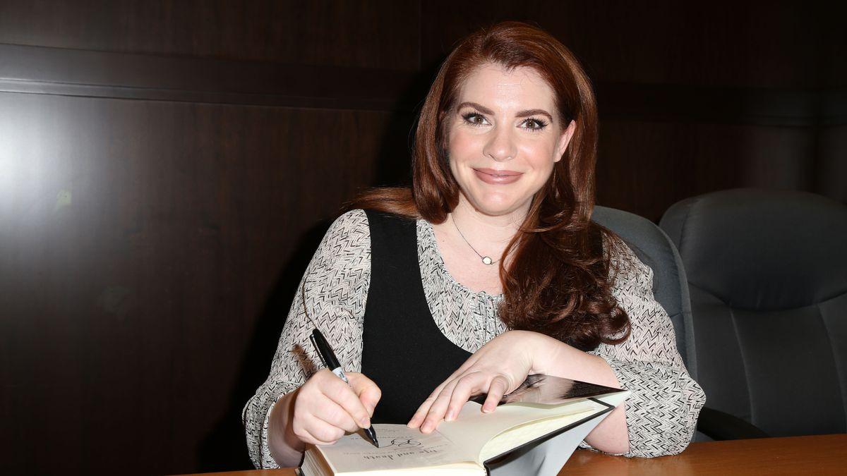 Stephenie Meyer is Writing Two More Twilight Books