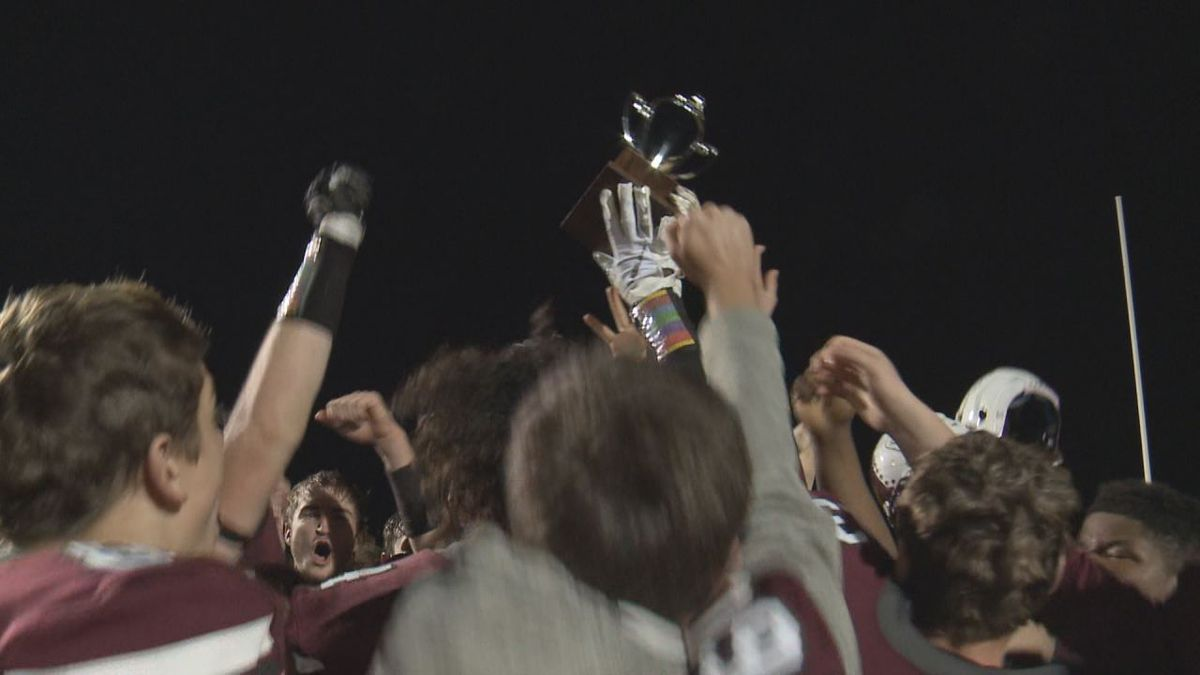 Stuarts Draft beats East Rock 14-7 to win the Region 2B title and advance to the state semifinals.